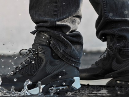"Fashion | Nike Air Max 90 Sneakerboot ""Black Reflective"""